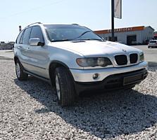 BMW X5 (Usauto)