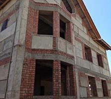 Огромный недостроенный дом площадью 748кв. м. в самом центре Тирасполя