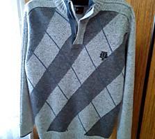 Продам новый мужской свитер с воротником на молнии