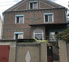 Продается капитальный двухэтажный дом