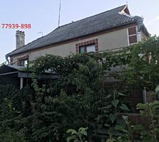 Котельцовый, 2 этажный дом, самое начало Ближнего Хутора.