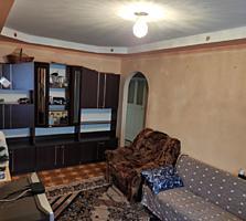 Продается хорошая, сухая 3- комнатная квартира 57 кв. м металлическая