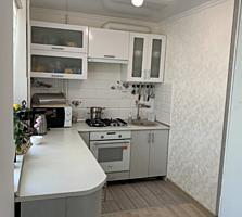 Продам 2-ух комнатную квартиру в центре!!!