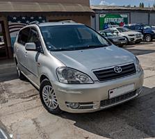 Toyota Avensis Verso (Usauto).