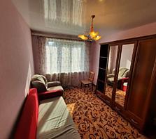 De vanzare apartament cu 3 camere seria 143 pe str. Albisoara 64