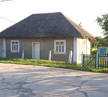 Продаётся огород с домом.