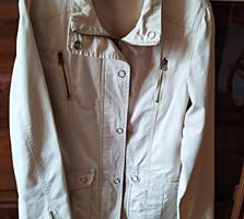 Курточка-ветровка