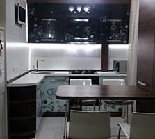 Срочно! продам 3-х к. квартиру центр евро-ремонт автономка + мебель