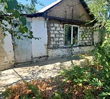 Продается дом р-н Текстильщиков 11 соток.