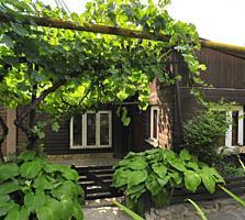 Vă propunem spre achiziție o parte din casă amplasată în Durlești ...