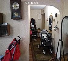 Продается 2х комнатная, Красные Казармы 3/4.