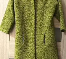 Продам пальто 200 руб, размер 42