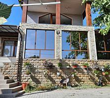 Продается большой 2-этажный дом 304 кв. м. площадь земли 26 соток.