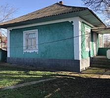 Se vinde casa cu hambar in satul Chetrosu