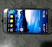 Продам телефон samsung s4 бу два стандарта связи.