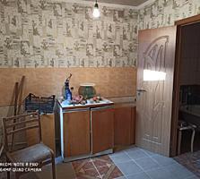 Продается дом в центре, удобства, участок хозпостройки 12.900$