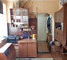 Компактная жилая 1-комнатная студия на Хомутяновке. Цена договорная