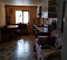 Дом каменный, 75/46/22 м2. Центр. Удобства. 3 сотки. Мебель, техника.