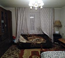 Продается 1-комнатная квартира в Центре 1/9