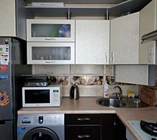 Продается 2-комнатная квартира с хорошим ремонтом мебель+ техника