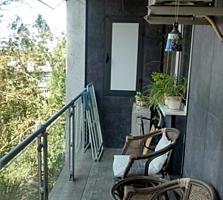 Продаем 2 комнатную квартиру по ул. Юности с хорошим ремонтом