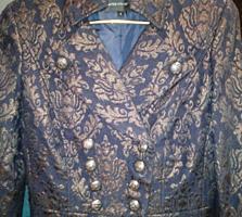 Пальто демисезонное-красивое-нарядное-46 размер -200=рублей