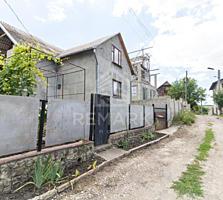 Se vinde vilă, amplasată în s. Budești. Suprafața totală 83 mp, și ...