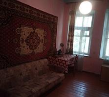 4- х комнатная квартира 2/2 с автономным отоплением в центре города