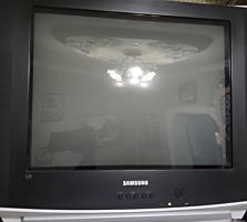 Продам телевизор SAMSUNG + ТВ декодер + тумбочка под телевизор