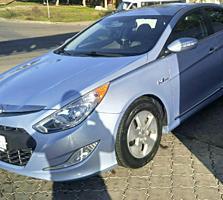 Продам Hyundai Sonata Гибрид 2012 года 2.4 бензин-электро