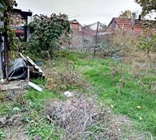 Участок - 5,5 соток с домом-82 м; Район 3 Военная - Сафронова; (Центр)