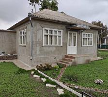 Продается дом в центре с. Елизаветовка 4 комнаты участок ровный