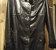 Продается натуральная кожаная женская дубленка б/у черного цвета 500р