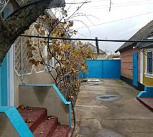 Продам дом жилой в Парканах, с удобствами, 200м от трассы
