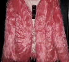 Женская курточка из искусственного меха кораллового цвета