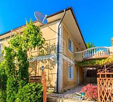 Se vinde casă în 2 nivele, or. Codru! Casa este construită calitativ .