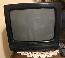 Маленький телевизор Telefunken, 35 cm, б/у, с полкой на стену