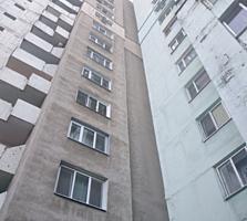 Spre vinzare se ofera apartament cu 3 odai in sectorul Centru al ...