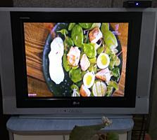 Продаю 2 телевизора в отличном состоянии марки LG.