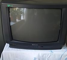 Продаю старый телевизор.