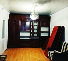 Срочно! Дом в/у, газ, ремонт, центр Фалешты-цена договорная