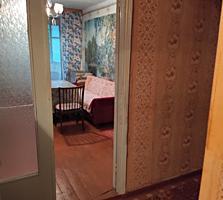 Срочно Продам 2-х комнатную квартиру. 4 этаж. Цена 8900 $.