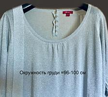 Нарядный блузон с нитью люрекса размера XL.