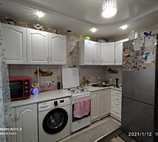 Продам 2 комнатную квартиру в районе Комендатуры. 2/9