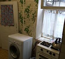 Часть дома, центр, ул. Пушкина, 3 комнаты, погреб, два сарая. ТОРГ.