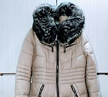 Продам. Куртка женская зимняя 46 размер. Натуральный мех.