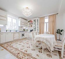 Se vinde apartament cu 4 camere, în casă de tip Club House, pe str. ..