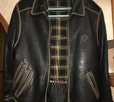 Продаю в комплекте натур. кожаную куртку и кепку фирмы Diesel.