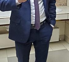 Продам классический мужской костюм