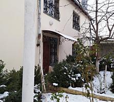 Продам большой 2 этажный дом на Балке, участок 10 соток.